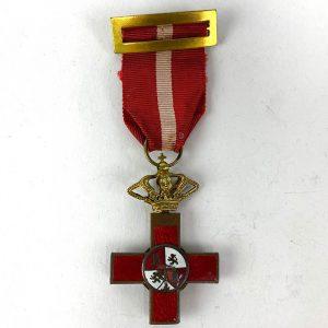 Cruz al Mérito Militar con distintivo rojo 1868-1871