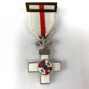 Cruz al Mérito Militar con distintivo blanco 1977-1995
